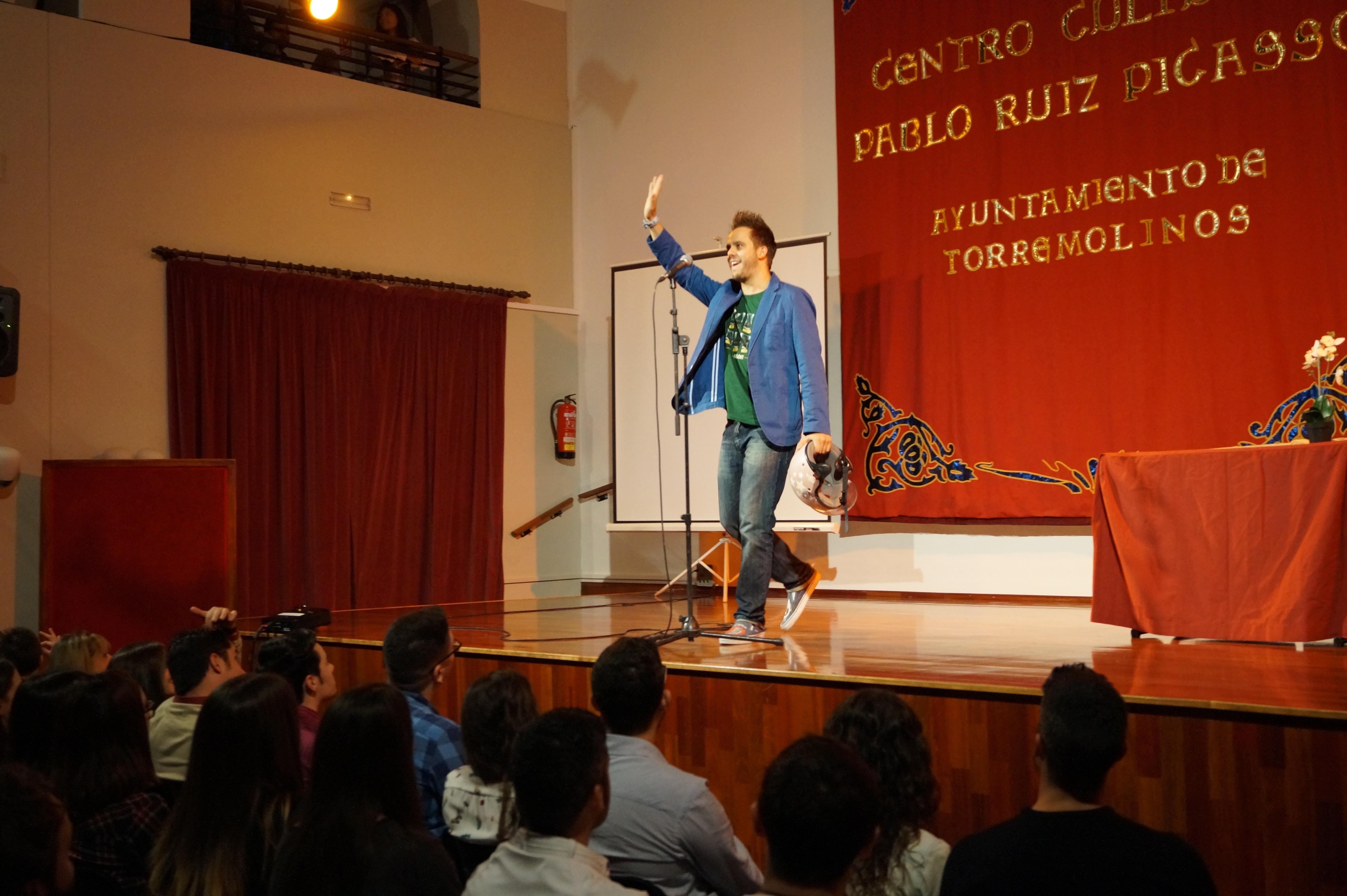 Torremolinos Comedy - Tomás García
